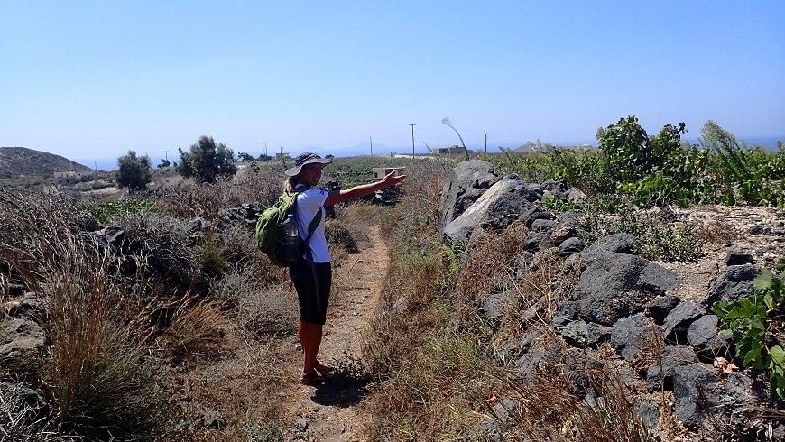 Trail to Mesa Pigadia Trekking.jpg
