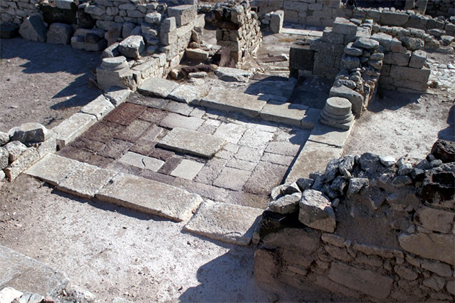 santorini archaeological site
