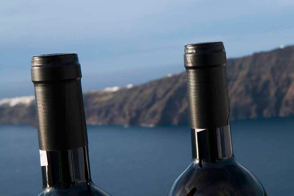 Wine bottles you order are delivered at your holiday villa or hotel